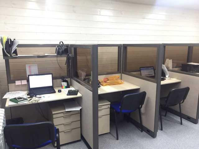 Продам  Офисное оборудование гарнитура стол