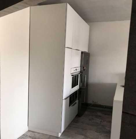 Предложение: Белый кухонный гарнитур