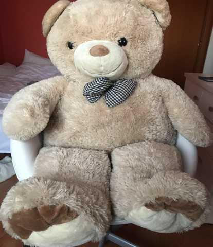 Продам Большой плюшевый медведь
