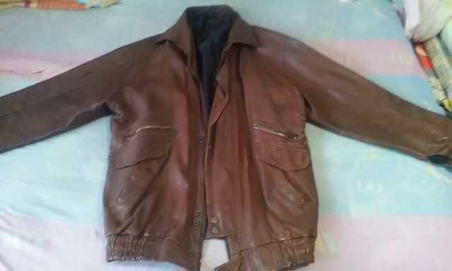 Продам Кожаная мужская куртка 46 размер