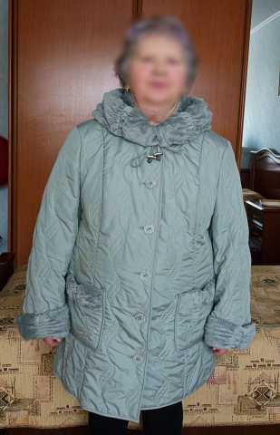 Продам куртка женская с капюшоном
