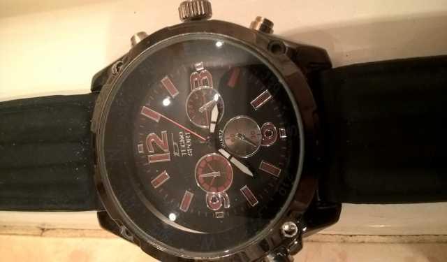 Продам Часы Tecno Sport без задней крышки.