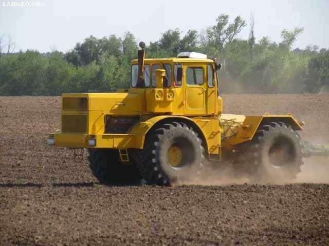 Предложение: Услуги по обработке земли, вспашка земли