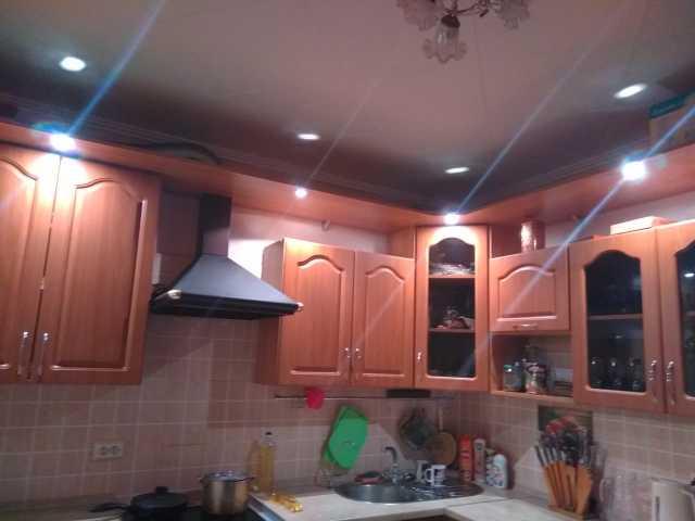 Продам: Встроенный кухонный гарнитур
