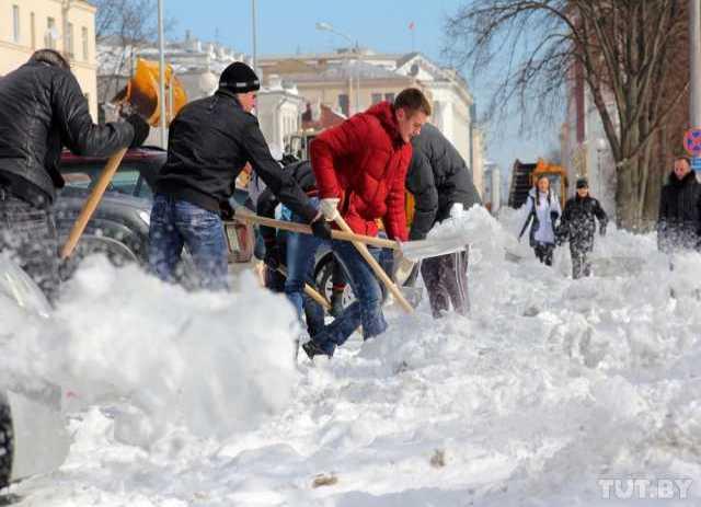 Предложение: чистка снега с крыш 8910 534 80 00