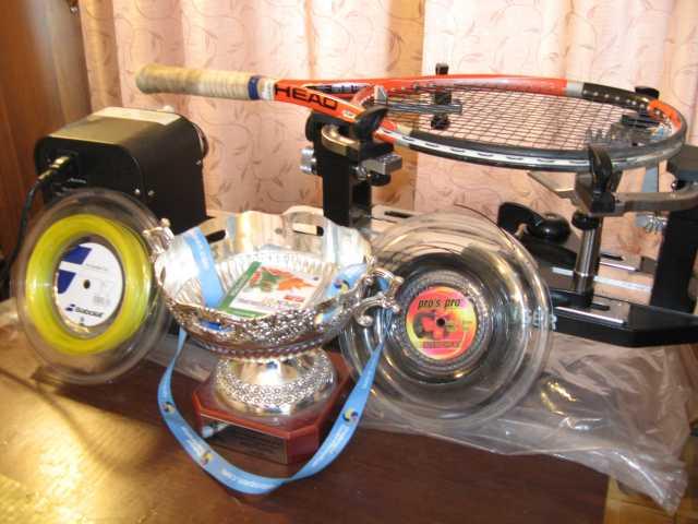Продам натяжка теннисных ракеток