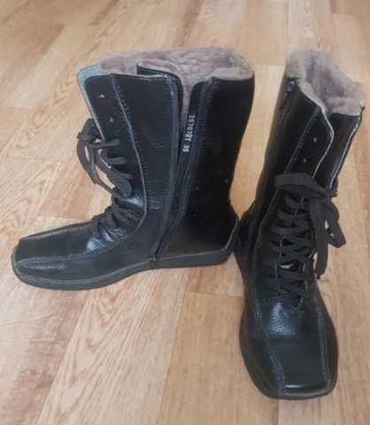 Продам Ботинки зима новые. 35 размер
