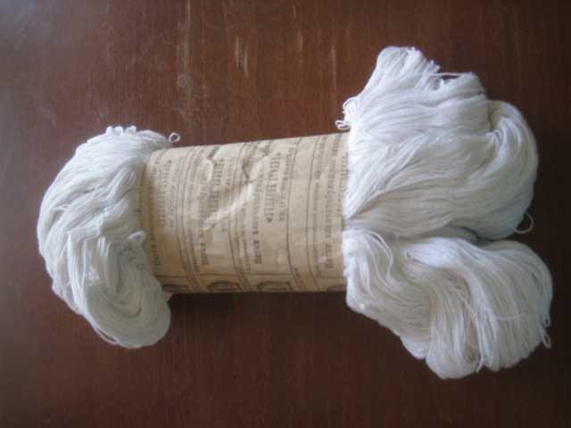 Продам Нитки хлопчатобумажные вязальные белые