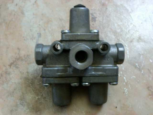 Продам: Клапан защитный тройной