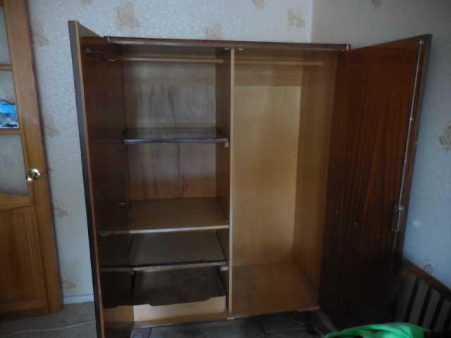 Продам шкаф  для  одежды и стенка