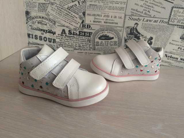 Продам Новые демисезонные ботинки