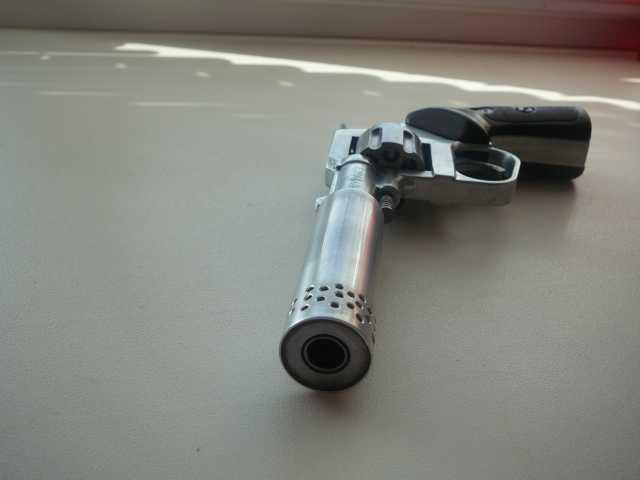 Продам стартовый револьвер рс 22.