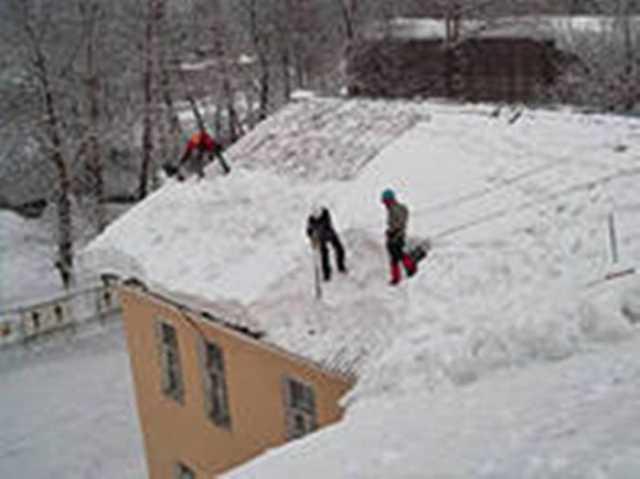 Предложение: Уборка снега.Чистка крыш.Чистим