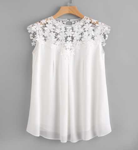 Продам Белоснежное платье c кружевной вставкой