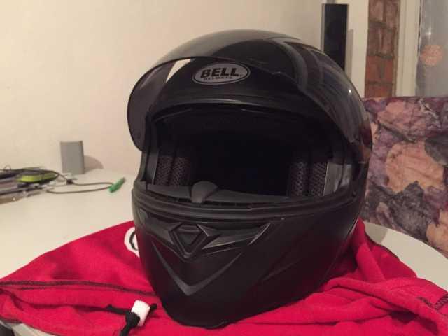 Продам Мотоциклетный шлем Bell