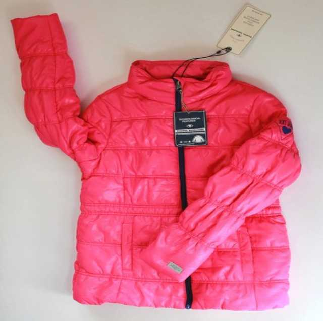Продам Куртка для девочки 152 см демисезон