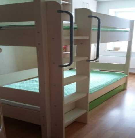 Продам Двухъярусная деревянная кровать