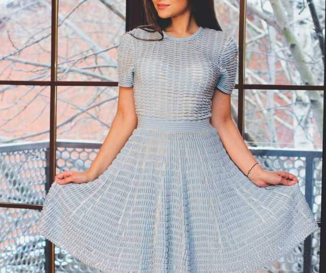 Продам платье голубое