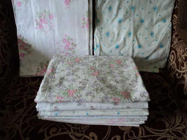 Продам Простыни белые с узорами 210х150см