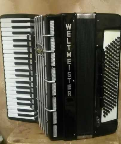 Продам: Продам  концертный немецкий аккордеон  W