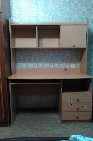 Продам: Письменный стол для школьника