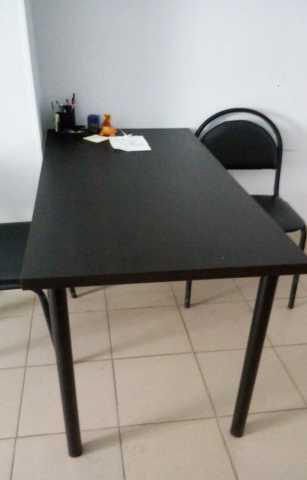 Продам: офисные стулья и столы