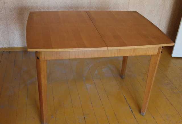 Продам Стол раздвижной деревянный