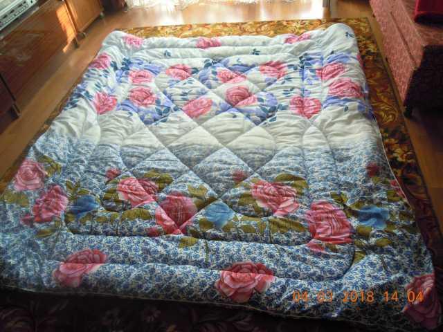 Продам  теплое (на синтепоне) одеяло