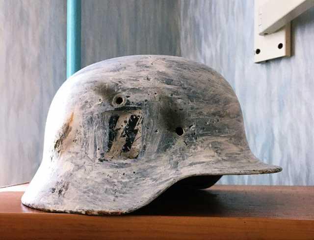 Продам Германский стальной шлем М40 (Оригинал)