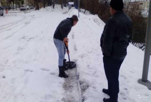 Предложение: Уборка снега вручную