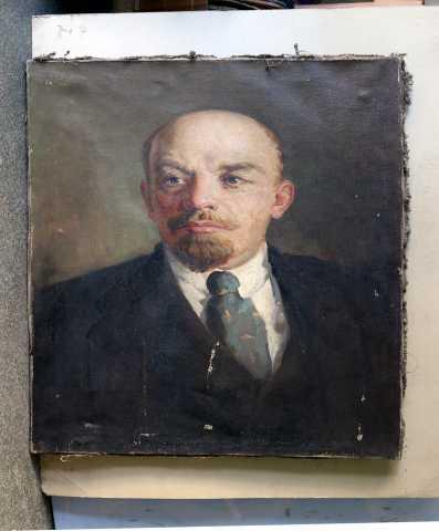 Продам портрет В.И.Ленина,холст,масло,50-60см