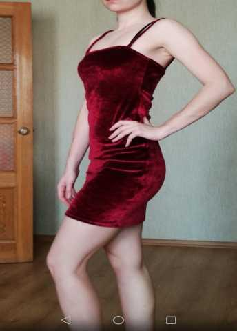 Продам Платье + чокер в подарок