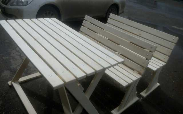Продам Деревянный стол и 2 лавки из сосны