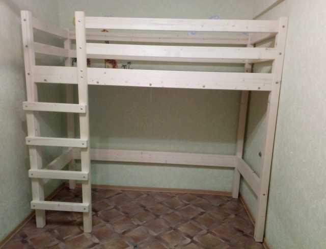 Продам: Кровать-чердак из цельного массива сосны