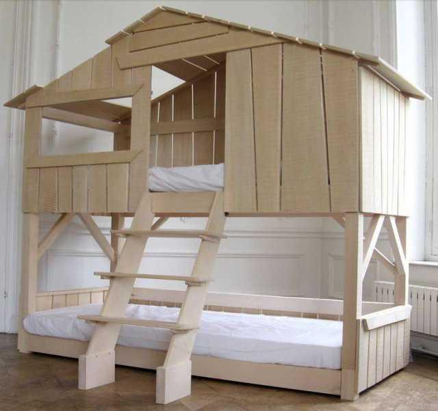 Продам: Домик-кровать из натурального дерева