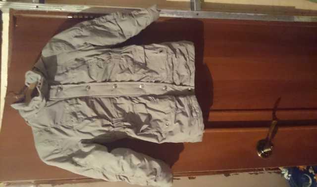 Продам Куртка для девочки весна-осень