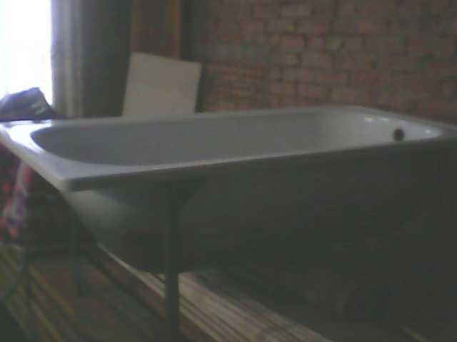 Продам Ванна (БУ) стальная 150см с ножками
