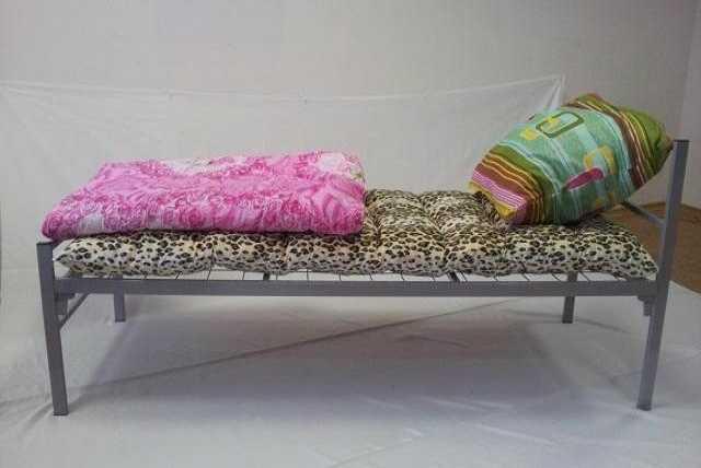 Продам: Кровать металлическая двуспальная
