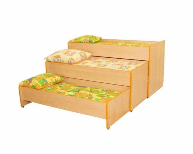 Продам: Кровать трехъярусная