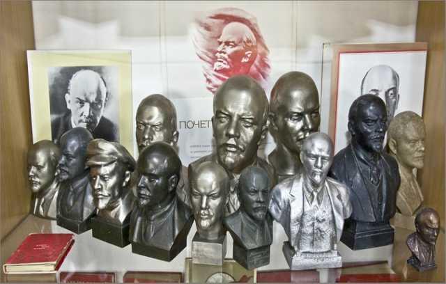 Куплю Бюсты и скульптуры Ленина, Сталина и др.