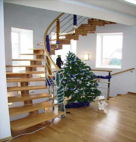 Продам: Лестницы винтовые из натурального дерева