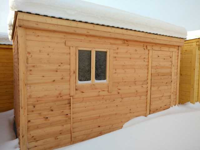 Продам Бытовка деревянная 3х2,3 м (вагончик)