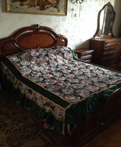 Продам Кровать и две тумбочки, Италия.