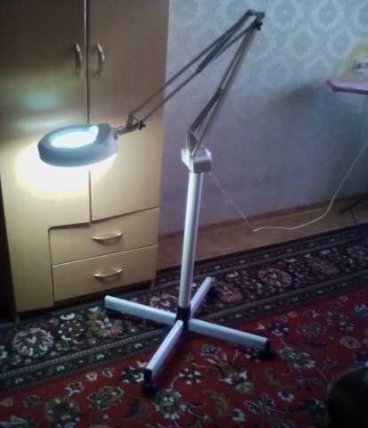 Продам Лампа-лупа Косметологическая