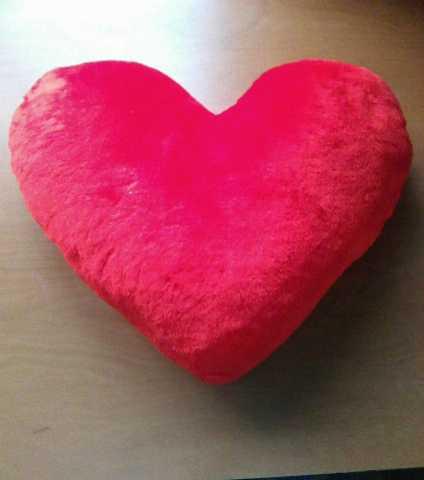 "Продам Подушка ""Сердце"" меховая мягкая новая"