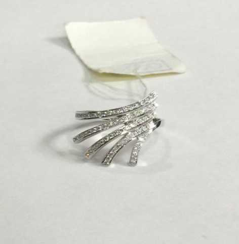 Продам Новое кольцо из белого золота