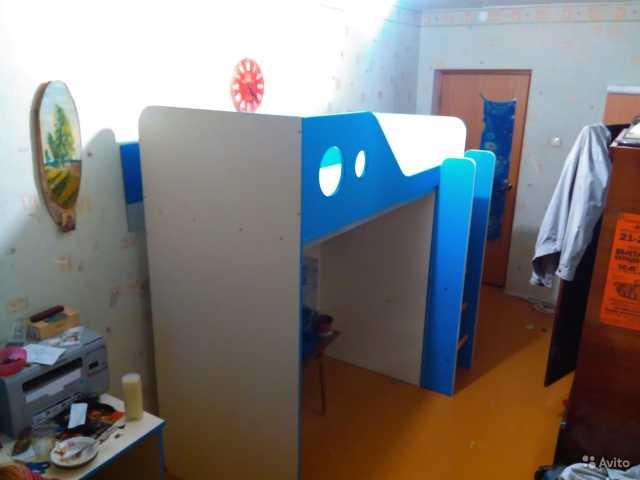 Продам Детская двухъярусная кровать со шкафом