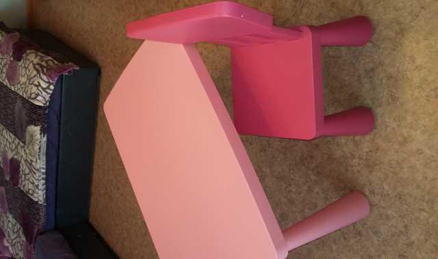 Продам Стол и стул детский для занятий. Розовый