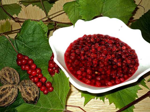 Продам Лимонник - в виде свежих ягод в сахаре