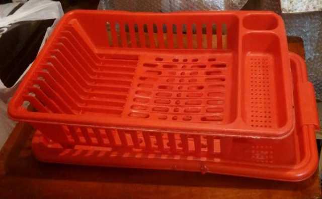 Продам Подставка для посуды с подносом,